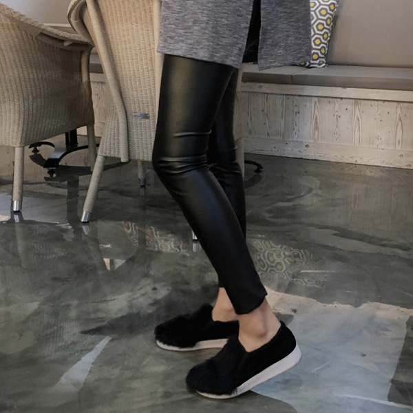 Sleek Leather Leggings