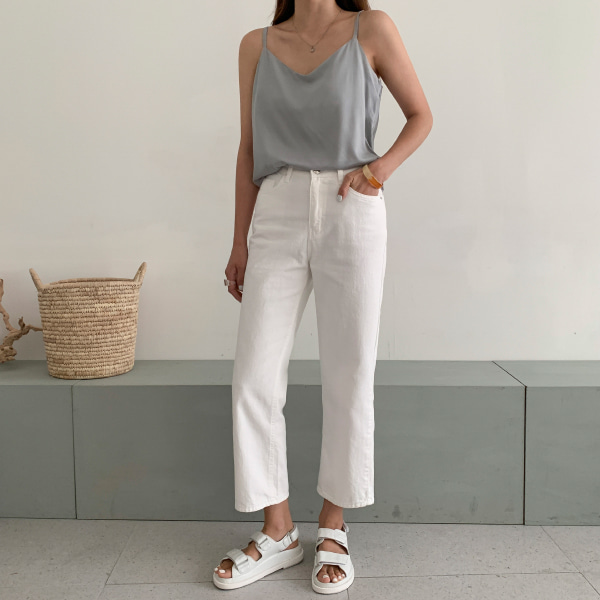 Straight Cut Loose Cropped Pants