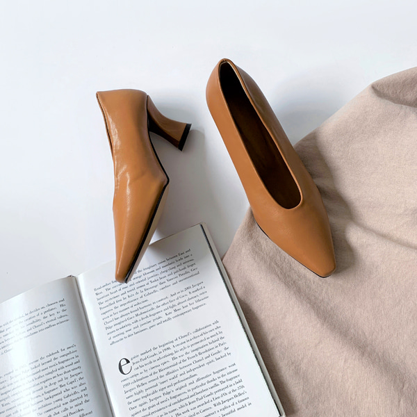 Snip Toe Spool Heel Pumps