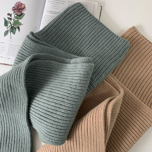 Turtleneck Knit Scarf