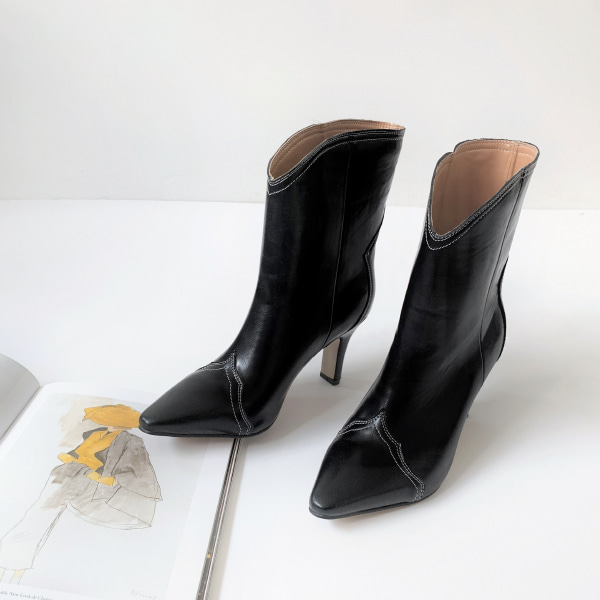 Stitched Panel Pointed Toe Boots